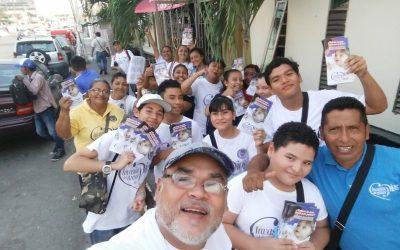 México: Cientos de cristianos en las calles