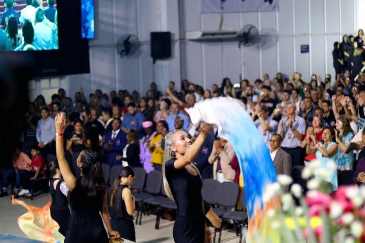 Comenzó la primer convención de la década en Chaco: Escuela De Entrenamiento Invasión del Amor de Dios