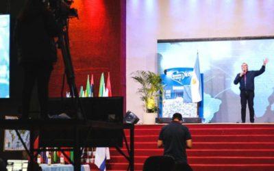 Más de dos millones de personas participaron en vigilia de oración